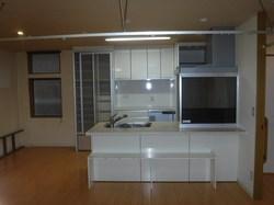 中央区マンションのシステムキッチン交換工事。